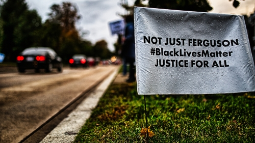 BLACK LIVES MATTER - FERGUSON SOLIDARITY WASHINGTON ETHICAL SOCIETY, 2014 (IMAGE: JOHNNY SILVERCLOUD) Licensed under CC BY-SA 2.0