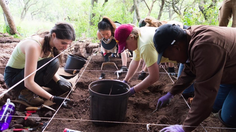 Students in the fall '16 ANTH 70 experiential learning course dig for fossils in South Africa.